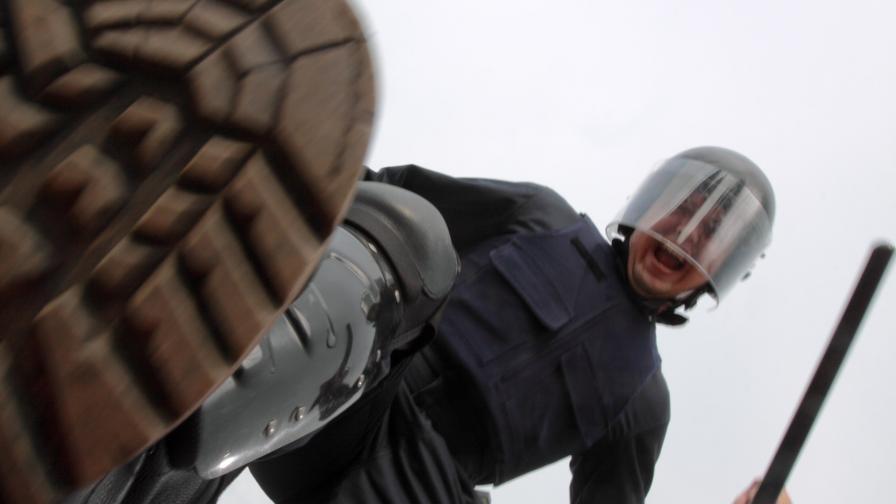 <p>Разследват сигнал за <strong>полицейско насилие</strong> в Карлово</p>