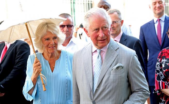 Какво правят принц Чарлз и Камила в Куба