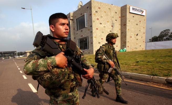 Москва: Нашите войници във Венецуела имат пълно право да са там