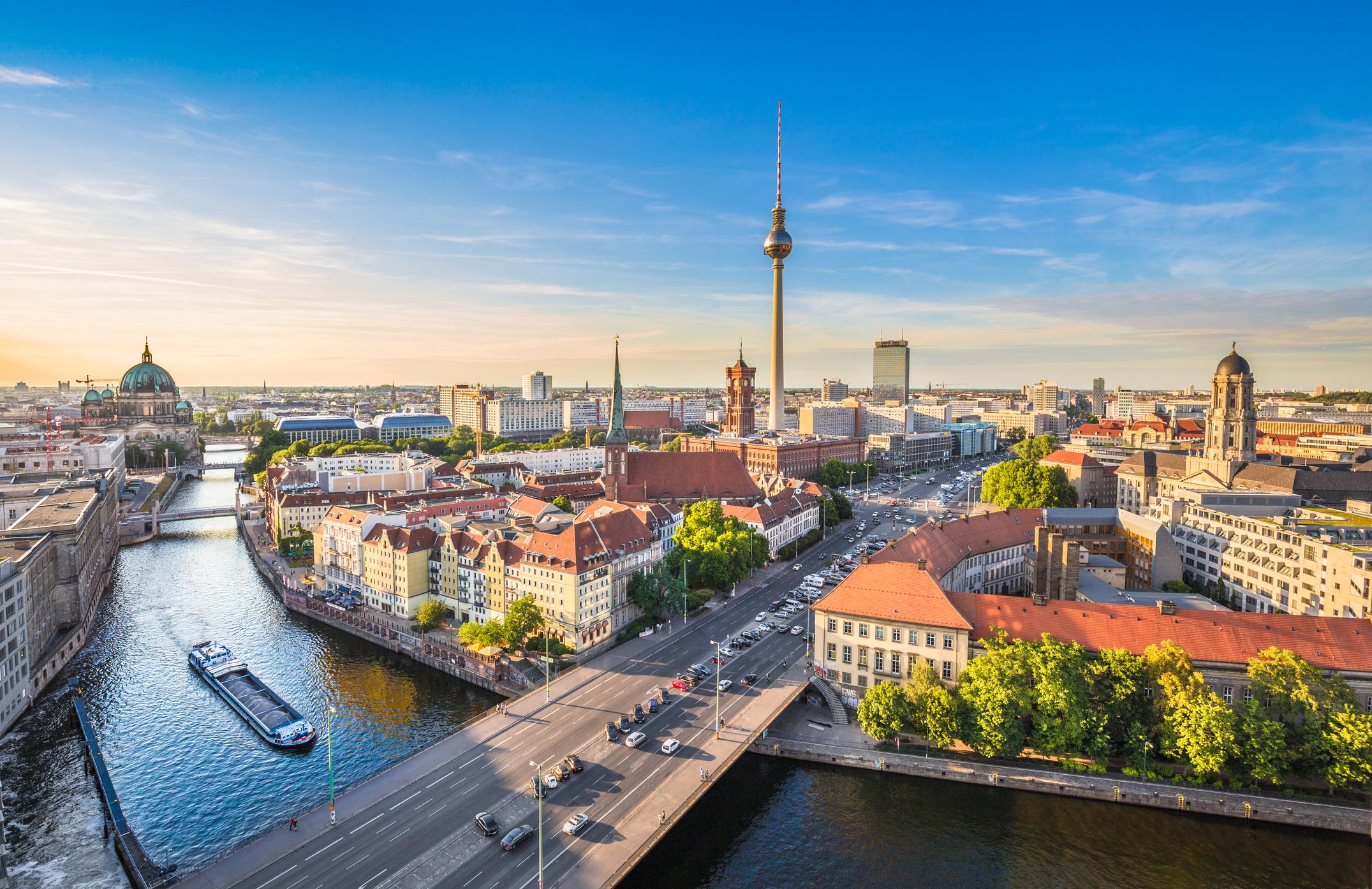 ВГермания и Австриясмятат 1 април за нещастен ден, а хората, родени на него, за хора без късмет.