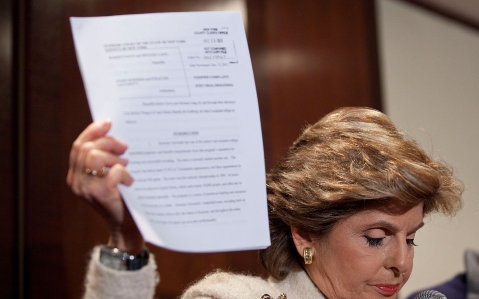 Маститата американска адвокатка Глория Олред, която защитава Джени Суши по