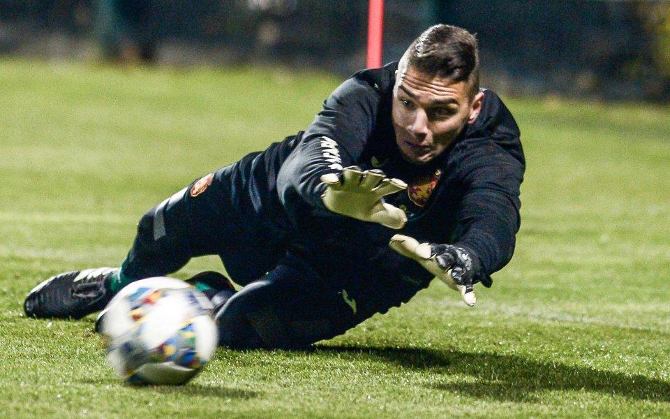 Димитър Евтимов с отлични изяви срещу Марсилия