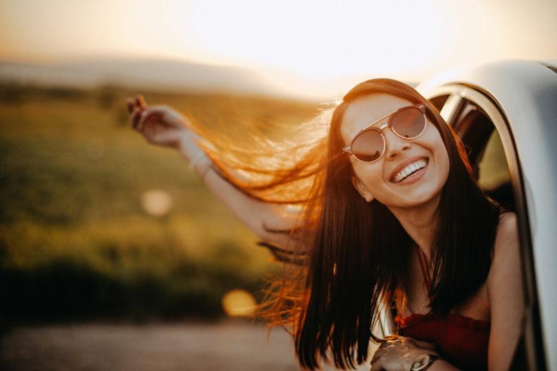 <p><strong>Телец</strong> - Тази година ще осъществите приключение, за което винаги сте мечтали, но все не са ви достигали финанси, кураж или свободно време. Най-сетне всички ваши липси ще са попълнени и най-после ще можете да грабите с пълни шепи от живота.&nbsp;</p>  <p>Ще скочите в неизвестното с голямо вълнение и ще се пренесете на място, което сте виждали досега само в своите най-красиви сънища. Ще поемете много рискове, но и ще изживеете неповторими емоции, с каквито малко хора могат да се похвалят. За вас 2019 година ще е повече от вълшебна!</p>