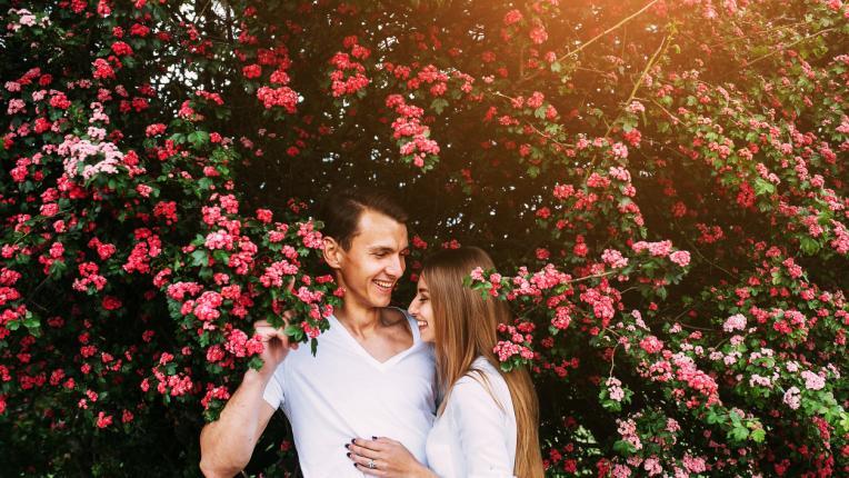 пролет жена двойка любов