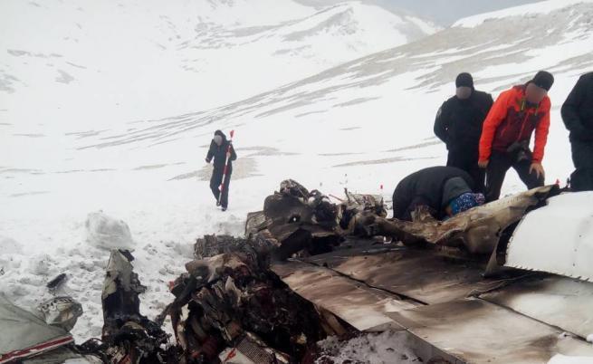 Разпространиха кадри от мястото на самолетната катастрофа край Скопие