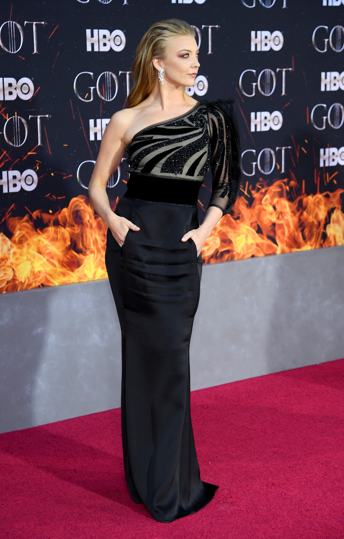 """Звездите и създателите на сериала """"Игра<br /> на тронове"""" преминаха за последен път по червения килим заедно за премиерата на осмия сезон в Ню Йорк."""