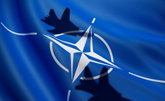 Focus: Проблемът на НАТО: САЩ не искат, Германия не може