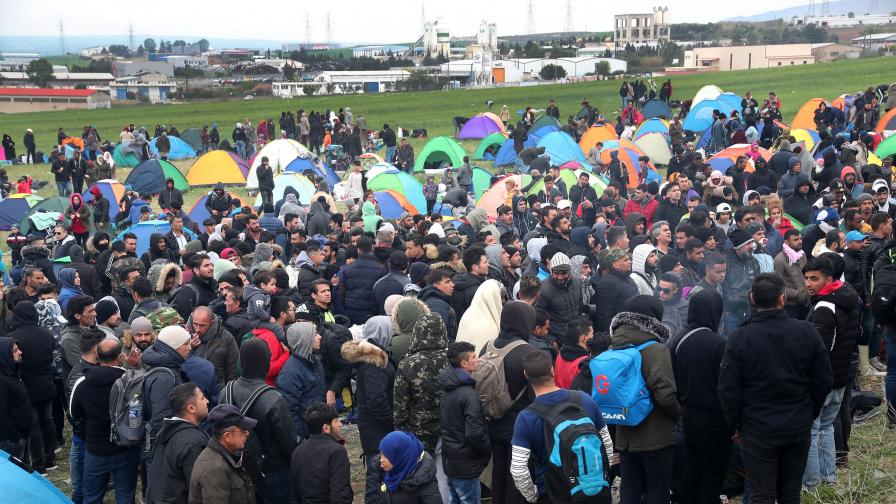 <p>Маринов - България е готова, ако дойдат имигрантите от Гърция</p>