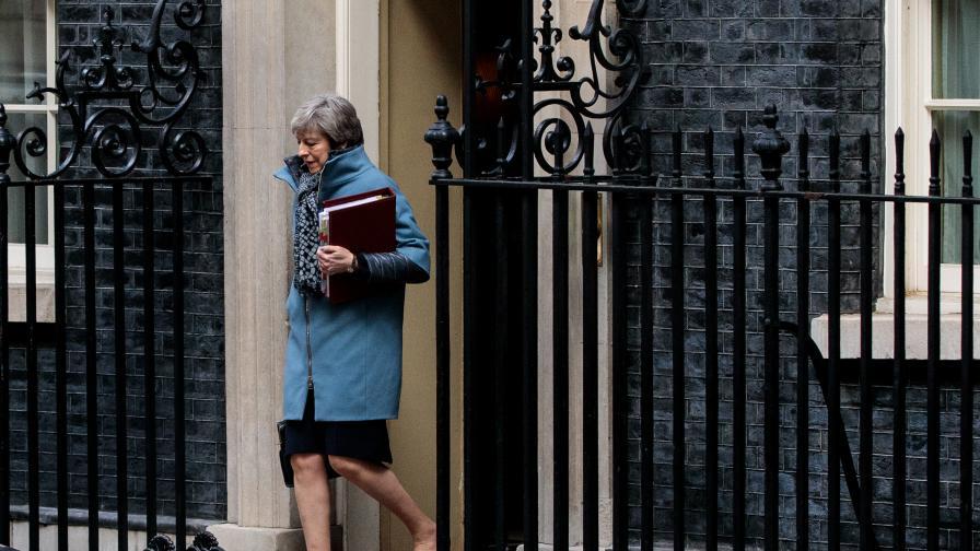 Великобритания забрани Брекзит без сделка със закон