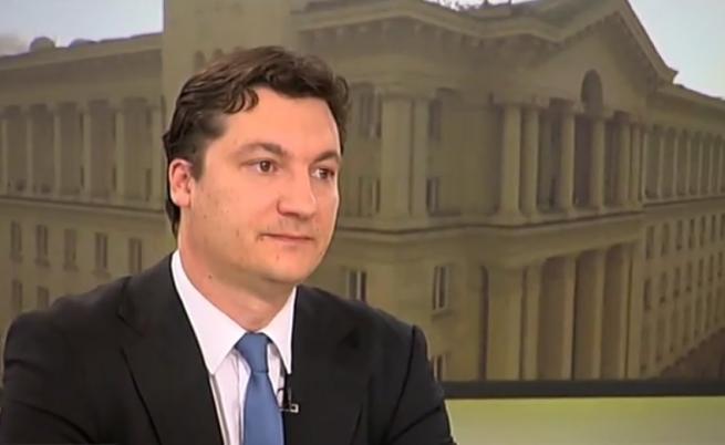 """Зарков: България е в криза, """"Апартаментгейт"""" беше капката"""