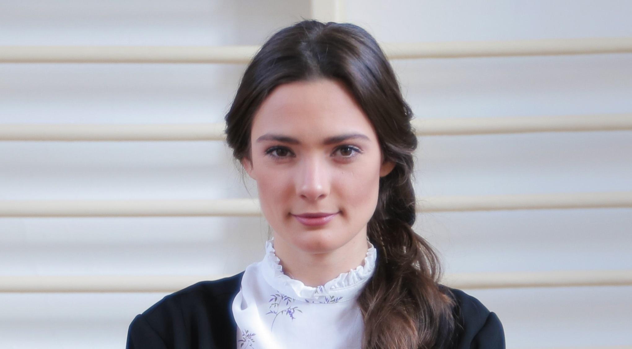 Лорина Камбурова ще изиграе новата учителка по литература в училището – Ана Василева