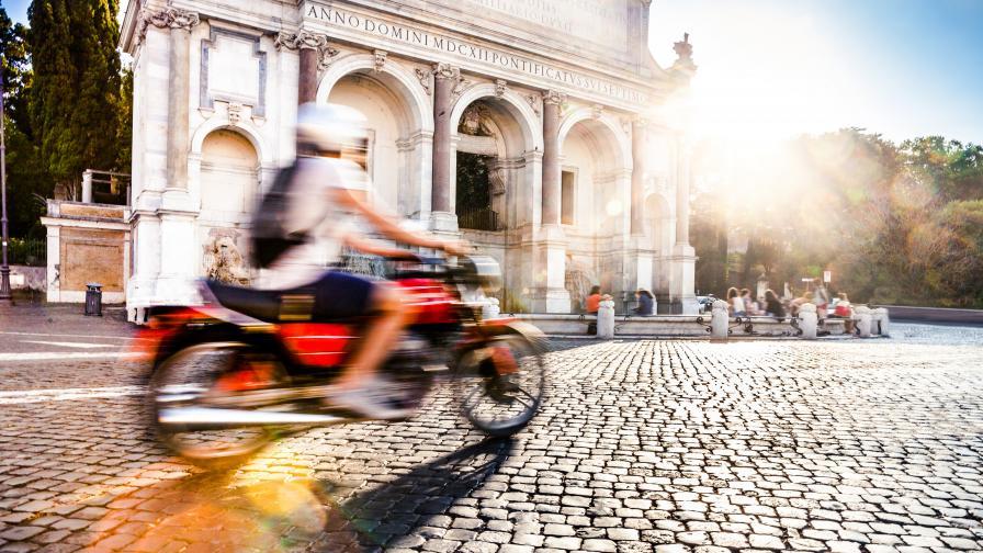 Тайна група по улиците на Рим