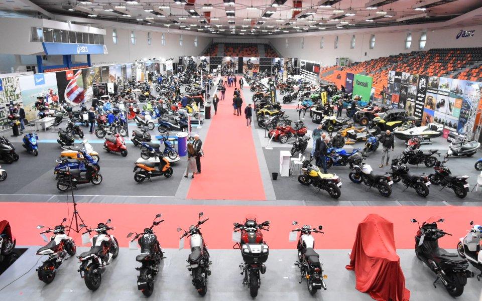 Почти 300 мотоциклета от 43 марки грейват на Moto Expo 2019