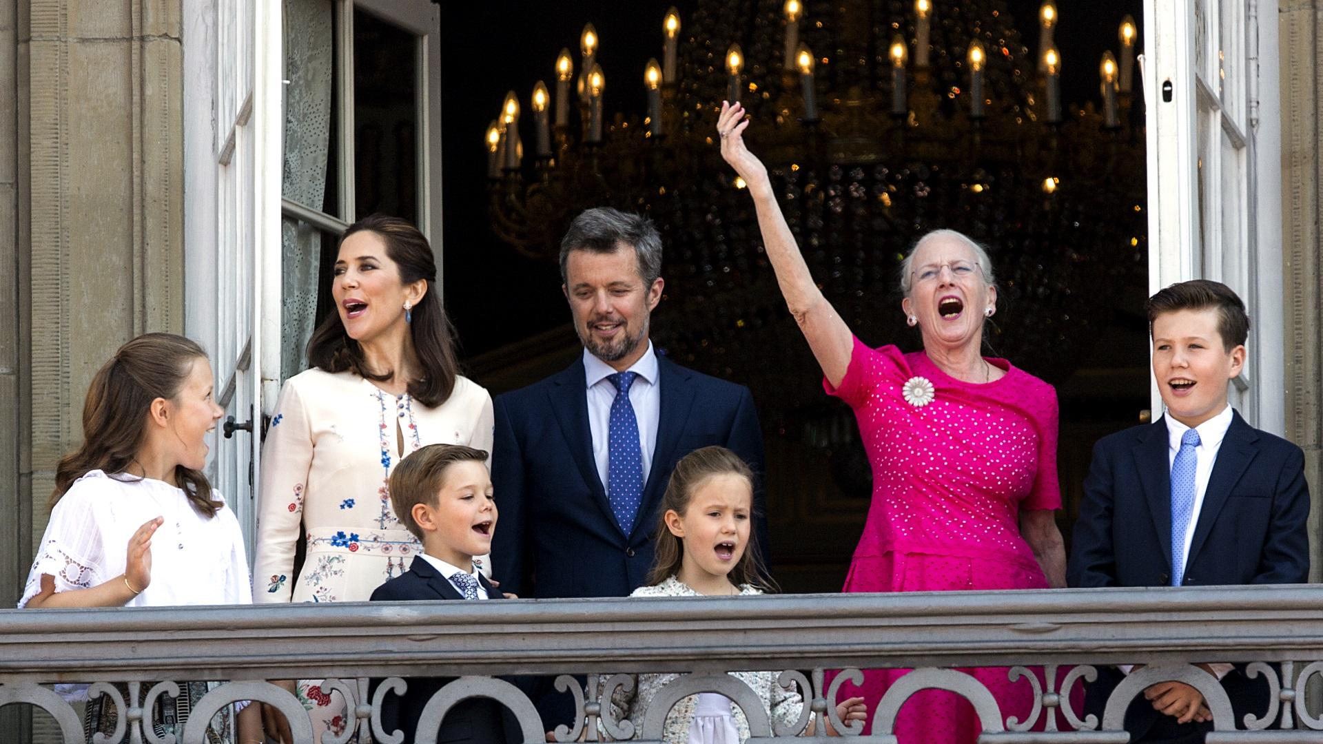 През 1972 г. принцеса Маргрете става кралица на Дания.