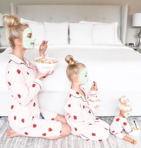 майка и дъщеря социални мрежи снимки