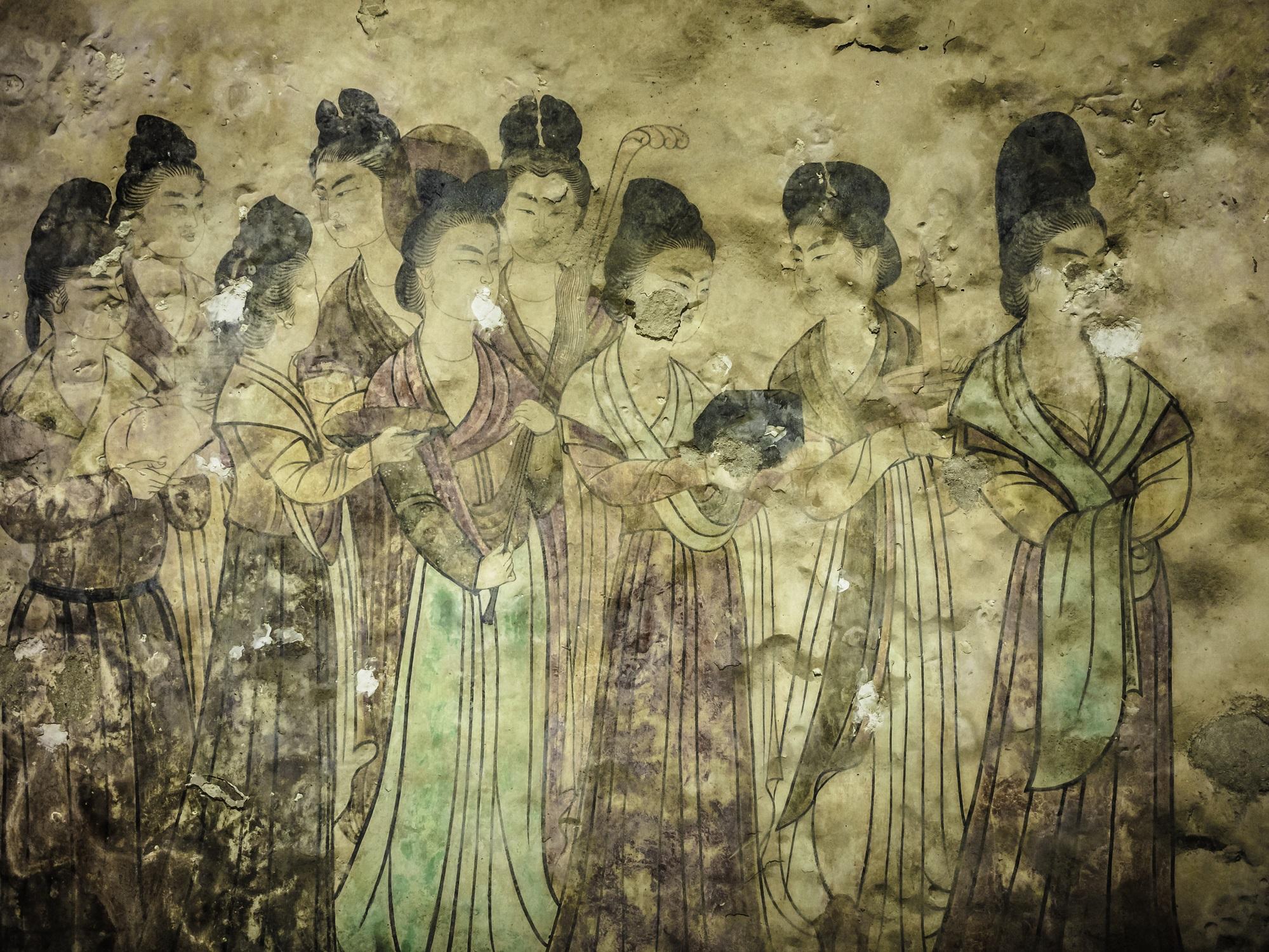 Тялото на 2000 г., което още има коса, мигли и кръв във вените<br /> <br /> Гробницата на китайска аристократка по времето на династията Западен Хан е намерена около 2000 години след смъртта ѝ. Учените претърпели шок, когато видели тялото на Лейди Ден, което било невероятно добре запазено. Всичките ѝ органи и кръвоносни съдове били непокътнати, във вените ѝ е намерено малко количество кръв от кръвна група А, тя все още има коса и мигли. Най-голямата изненада е мистериозната течност, в която е накиснато тялото – и до днес учените не знаят каква е тя.