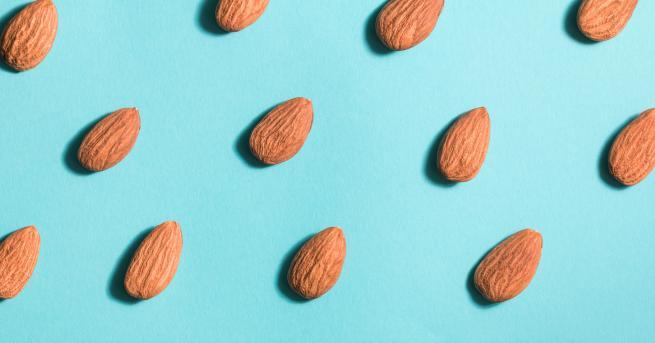 Снимка: Причините да хапваш бадеми всеки ден