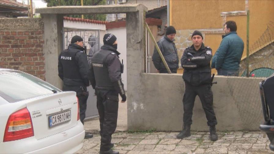 <p>Иван Гешев: Десетки арестувани при спецакцията&nbsp;</p>