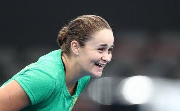 Световната номер 9 срещу Азаренка в полуфиналите на Фед Къп