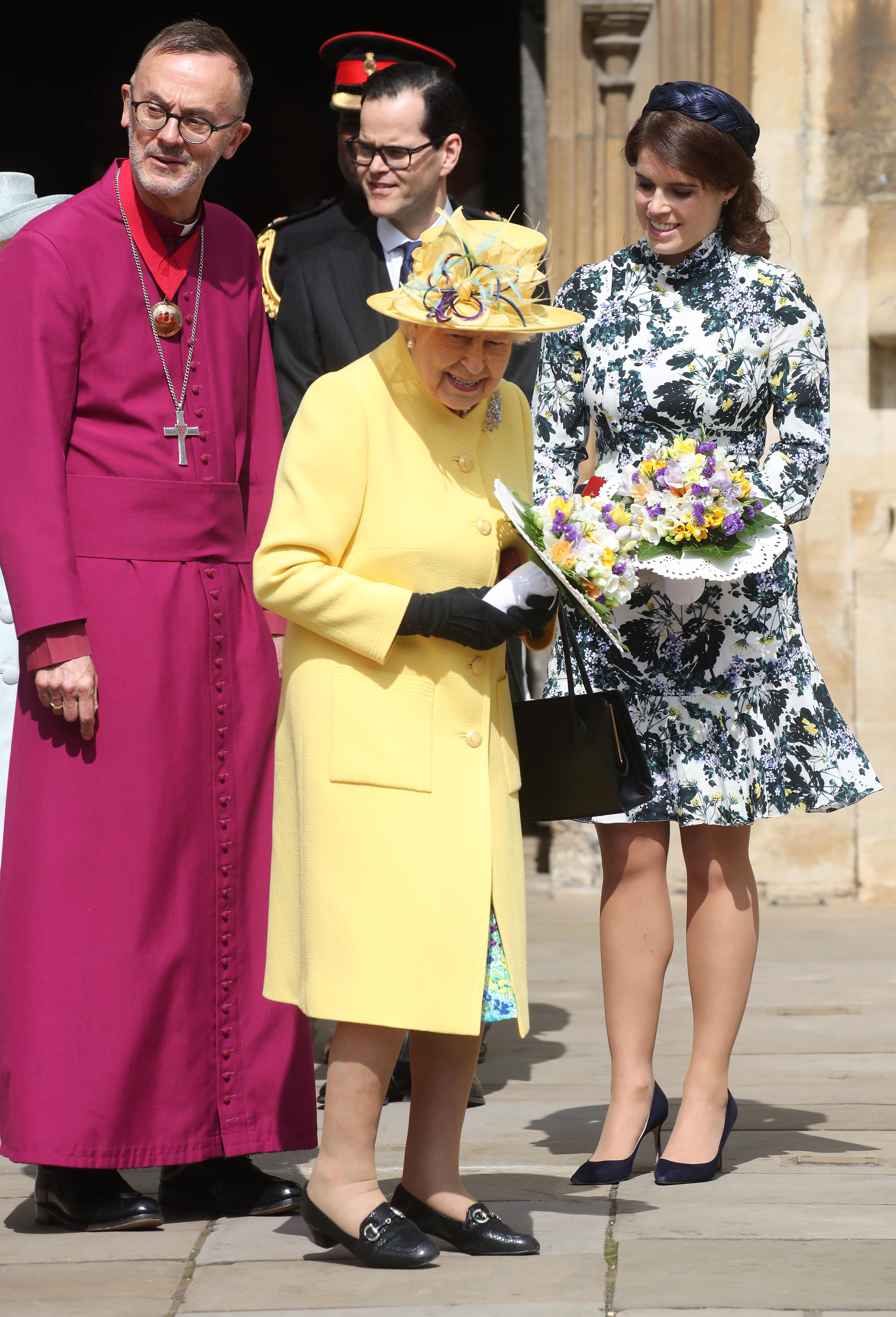 Британската кралица Елизабет Втора присъства на традиционната религиозна служба за Велики четвъртък, придружена от нейната внучка принцеса Юджини.