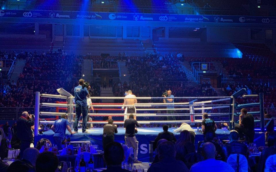 С четири победи за българските бойци започна второто издание на