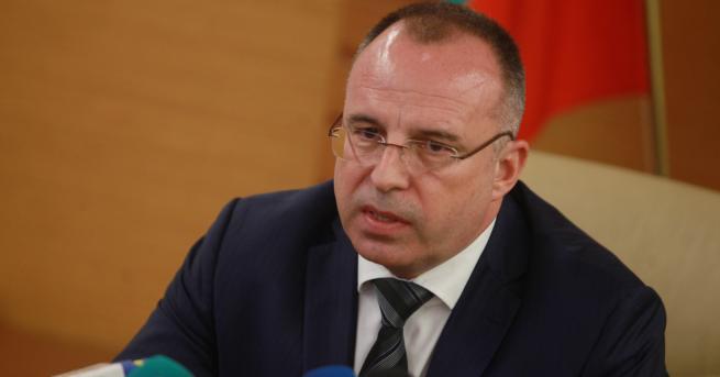 Снимка: Земеделският министър за къщата на Манолев: Правена е проверка