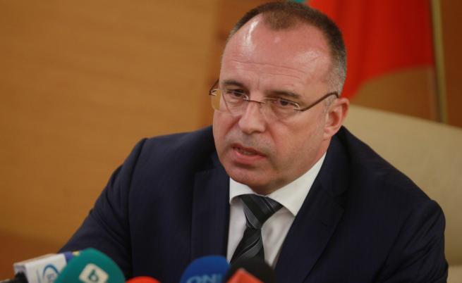 Земеделският министър за къщата на Манолев: Правена е проверка