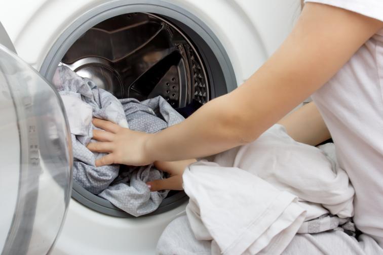 Пускайте по една пералня и през работната седмица. Така няма да имате натрупване на пране.