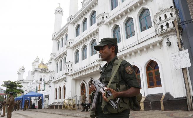 Откриха 15 тела след престрелката в Шри Ланка