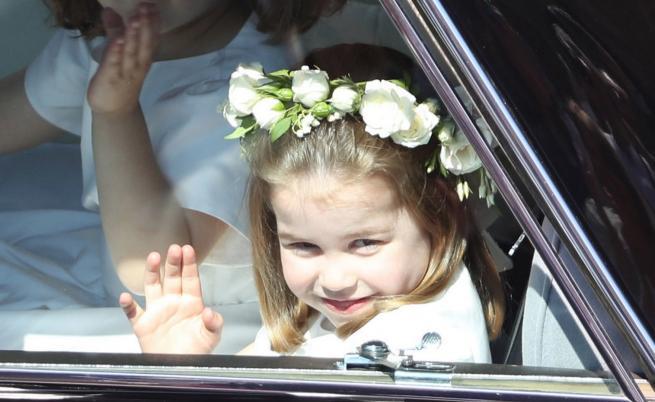 Очарователни нови снимки на принцеса Шарлот