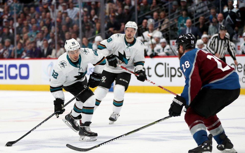 Колорадо и Бостън бият в плейофите на НХЛ