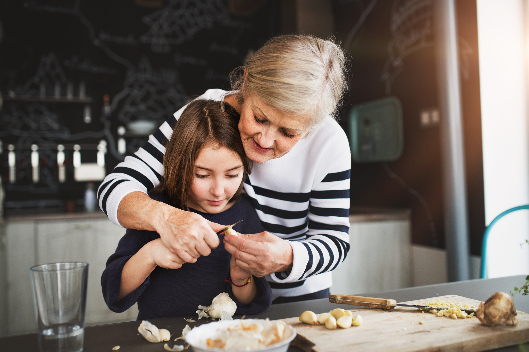 Когато едно ястие се нуждае от два часа, за да бъде подобаващо сготвено, то вие не трябва да бързате и да се стараете да го приготвите на по-висока степен и за по-малко време. Когато искате да блеснете пред приятели, вложете сърцето си в храната - всяко прибързване, нервиране и недоглеждане може да развалят мига.