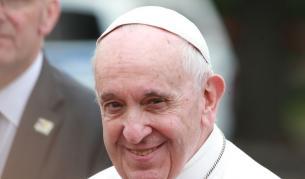 <p><strong>Да пееш за папата преди да се родиш</strong> - Ирина Андре</p>