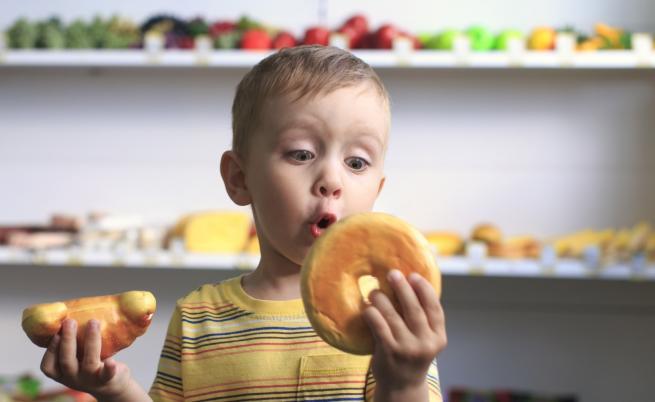 Зелен дюнер и понички от ябълки - алтернативите на вредната храна за децата