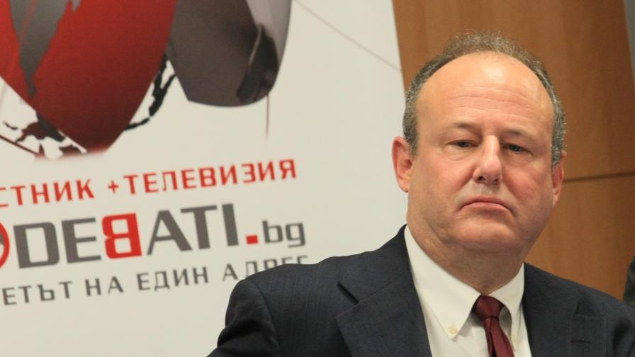 <p>Рубин: България ще получи най-модерния самолет на добра цена</p>