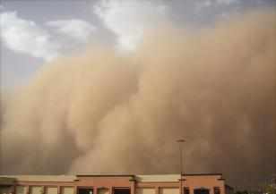 Летищата на Канарските острови бяха затворени заради пясъчна буря