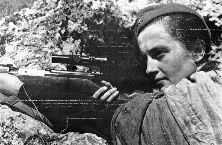 Защитата на Севастопол: Людмила Павличенко - най-успешната жена снайперист с 309 потвърдени убийства на вражески военни