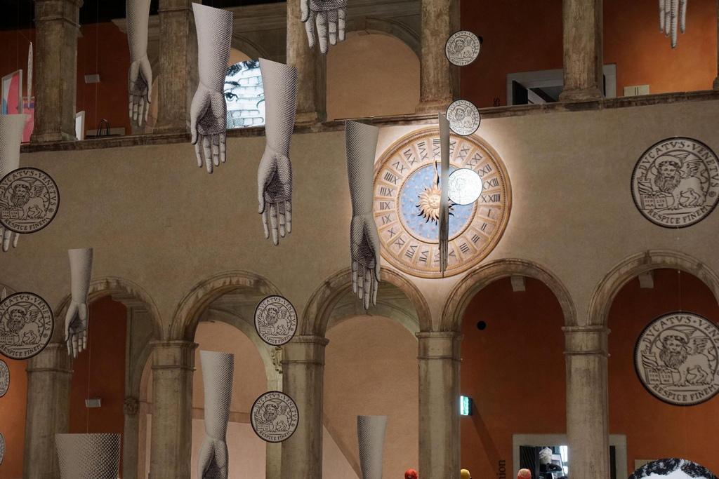 58-ото Биенале на изкуствата във Венеция бе открито официално вчера, 8 май. Едно от най-големите международни събития за изкуство, ще се проведе от 11 Май до 24 Ноември 2019