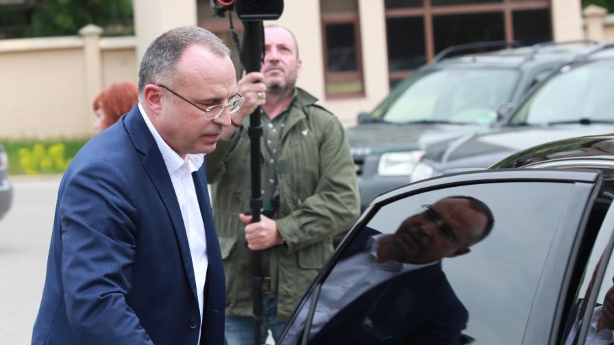 КПКОНПИ публикува непълна декларация на Порожанов
