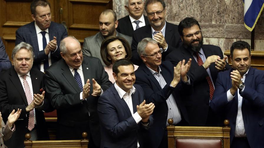 Правителството на Ципрас оцеля при вот на доверие