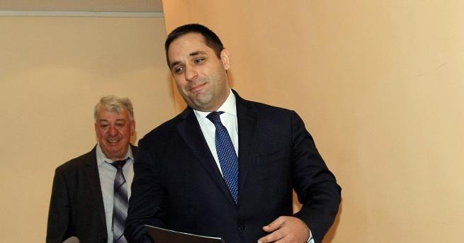 България Караниколов: В сряда ще има среща за горивата Според