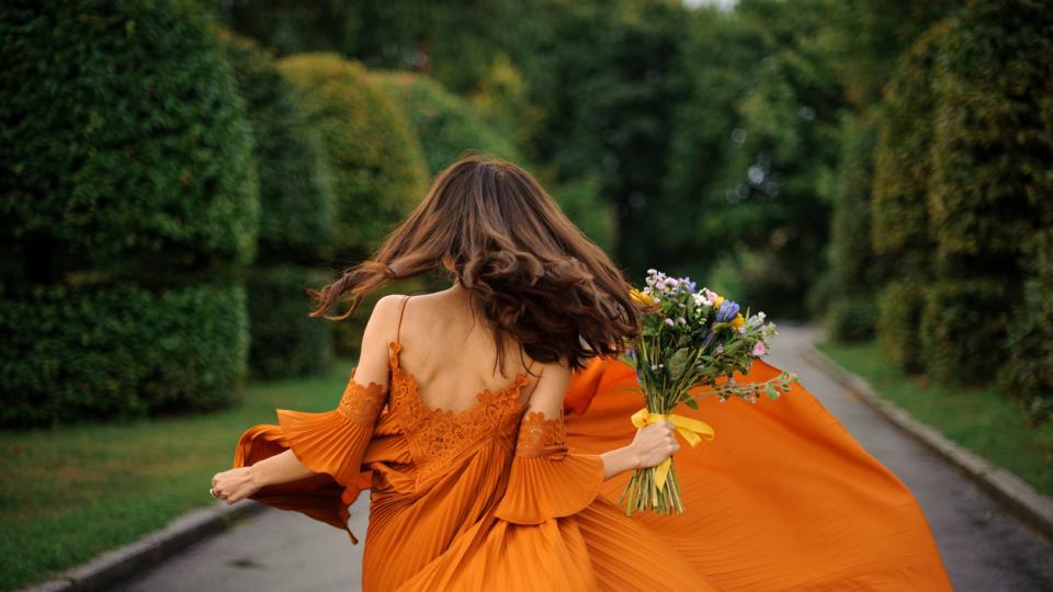 жена рокля мода