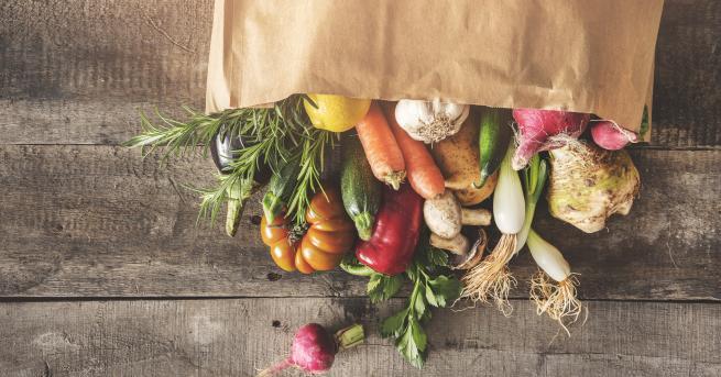 Трябва лида се белят зеленчуците и плодовете? Как мислите? Първо,