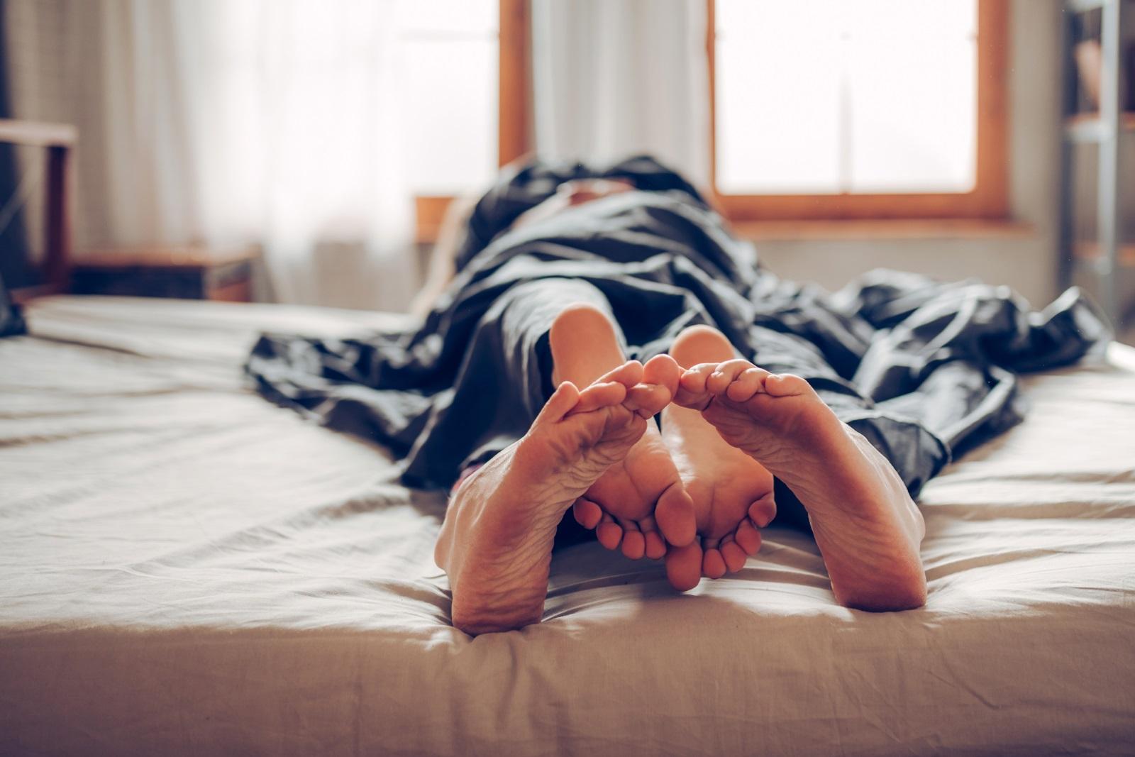 <p>Втората най-отблъскваща проява, посочена от 58 процента от анкетираните дами, е мъжът да смята, че сексуалният акт приключва в мига, в който той получи оргазъм.</p>