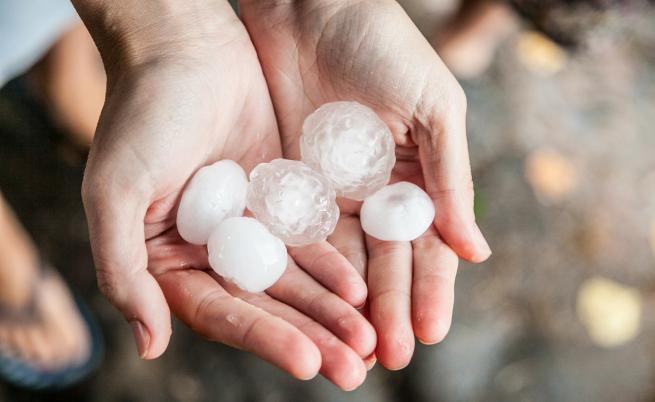 Градушка като орех валя днес край Карлово и Нова Загора
