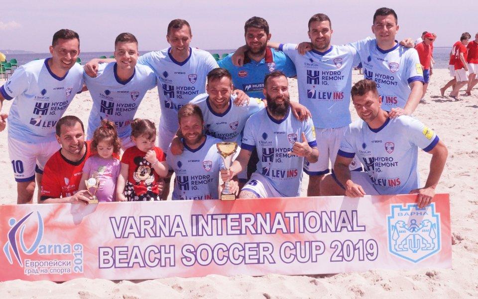МФК Спартак завърши втори на турнир по плажен футбол във Варна