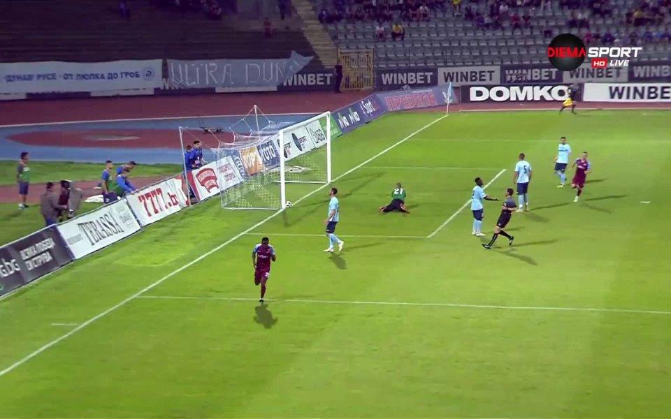 Септември поведе на Дунав в първия мач от финала за