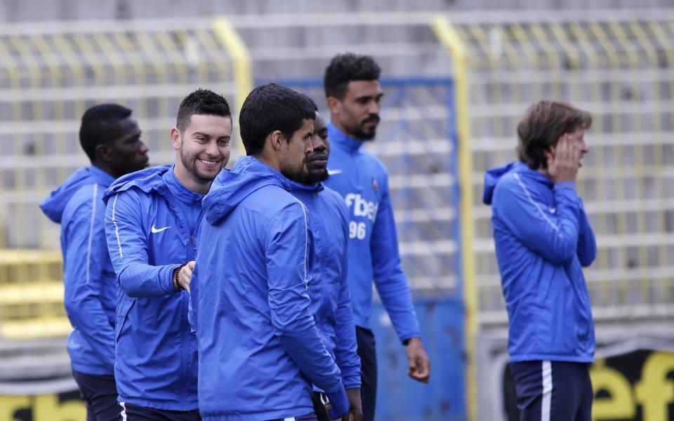 Топреализаторът и новата звезда на Левски тренират пълноценно