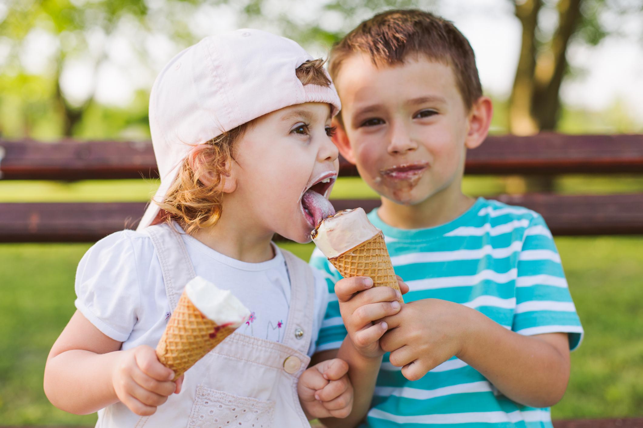 Децата по-трудно се концентрират, когато са приели храни или напитки, съдържащи захар.