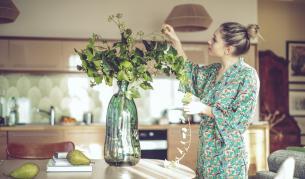 <p><strong>Една причина</strong> защо трябва <strong>да имате свежи цветя</strong> в дома&nbsp;</p>